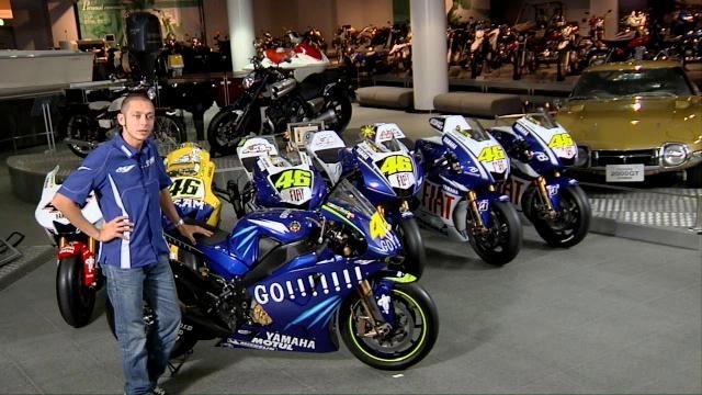 Rossi amoureux … de sa Yamaha M1