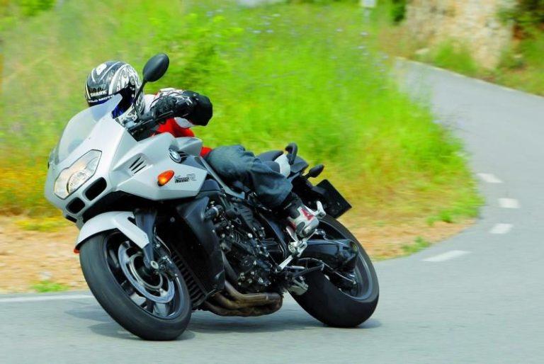 BMW K 1200 R Sport: deux facettes
