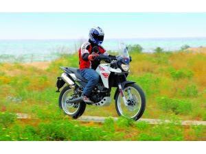 derbi-terra-adventure-125-la-urbanita-aventurera_fi_8250