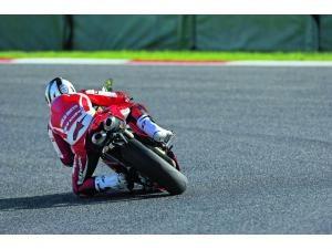 Ducati 848 Evo: L'EVOlution de l'espèce