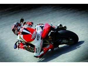 Ducati Streetfighter S: La menace 2009