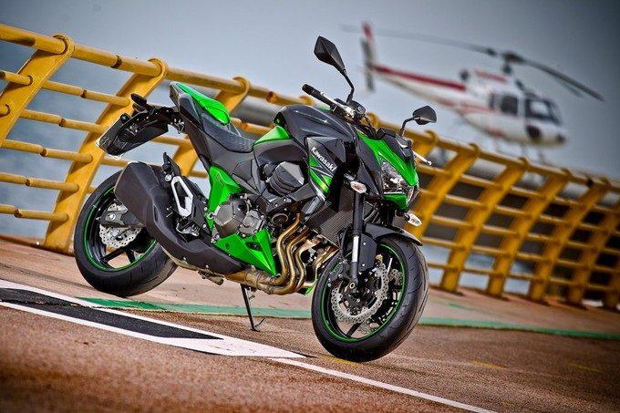 Kawasaki Z800 : la super naked ! 2013