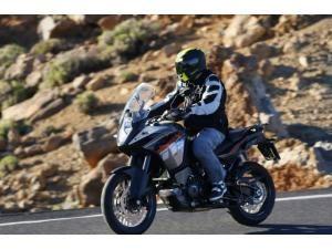ktm-1190-adventure-a-toute-vitesse-ktm-1190-advent_fi_31831-1
