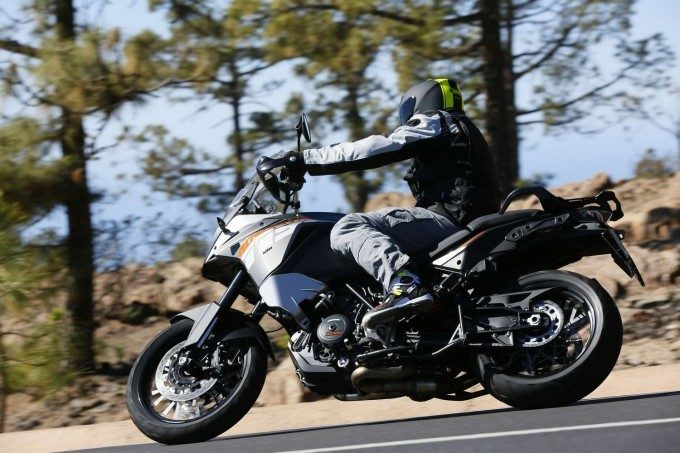 KTM 1190 Adventure : à toute vitesse 2013