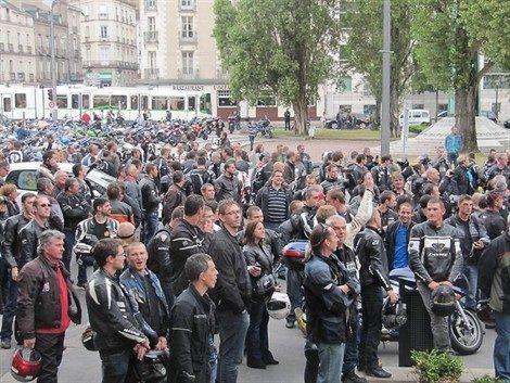 Le contrôle technique mobilise les motards français