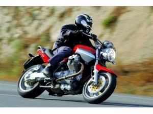 moto-guzzi-breva-850-diversion-en-curva_fi_8757-3