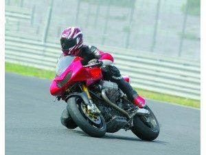 moto-guzzi-mgs-corsa-roja-deportiva_fi_418972-1