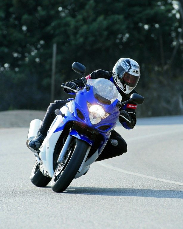 Suzuki GSX 650 F: L'habit ne fait pas le moine