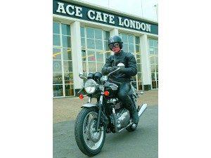 Triumph Thruxton 900: Café chargé
